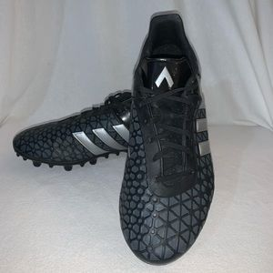 Adidas Men's Grey Soccer Cleats Size 7.5